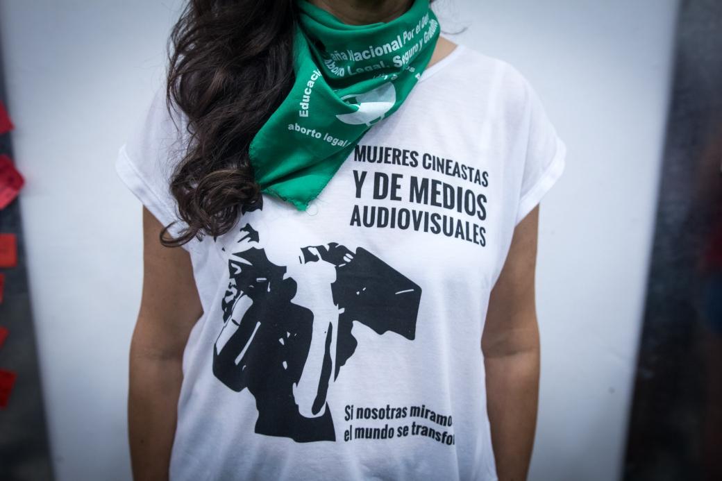 camiseta-con-pañuelo-ok.jpg